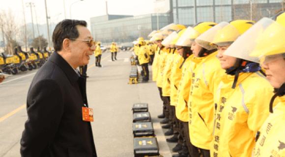 """全国政协委员姜耀东点赞美团外卖- """"你们很了不起!"""""""